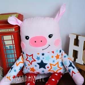 ręczne wykonanie maskotki świnka poznajcie wesołą świnkę o imieniu kamil uszyta