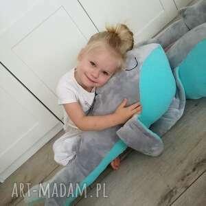 szare maskotki urodziny wielorybek podusia milusia