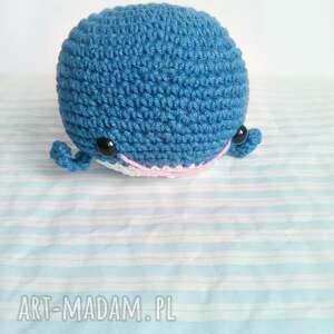 niebieskie maskotki wielorybek większy - granatowy