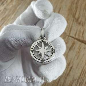 czarne kompas srebrna zawieszka dla podróżnika