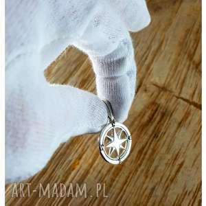 modne męska srebro srebrna zawieszka dla podróżnika
