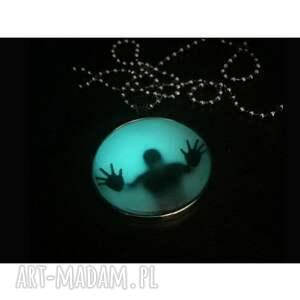 męska alone in the dark i