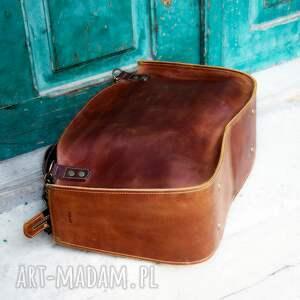 kuferek ręcznie robiona torba z łańcuchami od Ladybuq Art Studio stylowa