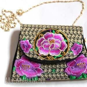 mini haft hmong, dymanicznie, kolorowo