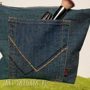intrygujące mini kosmetyczka z jeansu z sercem