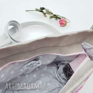 listonoszka mini różowe z papieru kwiaty