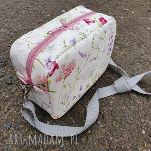 białe mini torebka mała torebeczka box