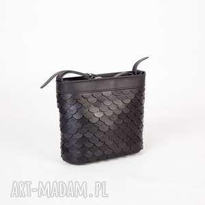 handmade mini mała-czarna torebka łuska mała czarna