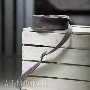 skórzana torebka mini