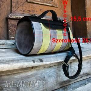 mini: torebka skórzana od polskich projektantów mała z paskiem na ramię