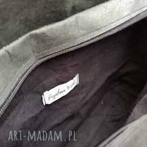 czarne mini listonoszka torebka wegańska z papieru
