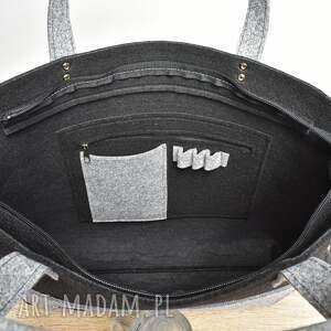 czarna na laptopa elegancka filcowa torebka