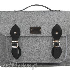 szare torba filcowa na laptop