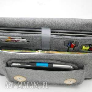 szare laptop filcowa torba na laptopa