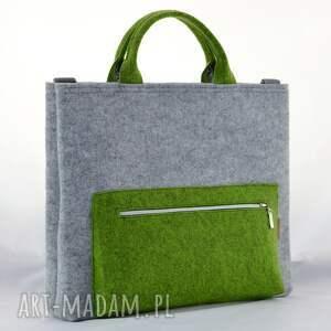 szare filc torba na laptopa w kolorze szarym