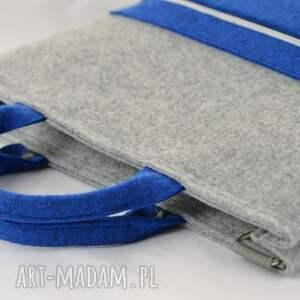 pojemna torba na laptopa w kolorze szarym