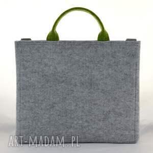 filcowa torba na laptopa w kolorze szarym