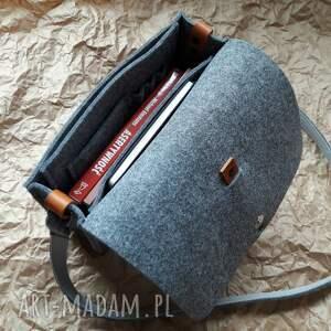 filcowa torebka uszyta z filcu o grubosci 4mm