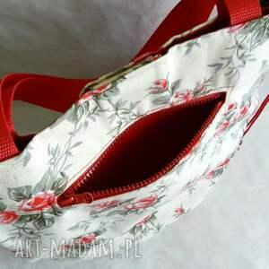 188d39d240dff białe na ramię bawełniana torba na lato. róże na ramię czerwone ...