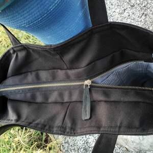 na ramię torba pojemna czarna duża na zamek