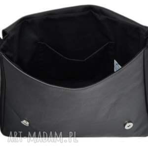 torebka-młodzieżowa na ramię 35-0002 czarna torebka aktówka