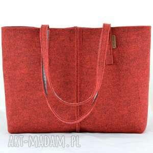 urokliwe na ramię torebka duża bordowa minimalistyczna