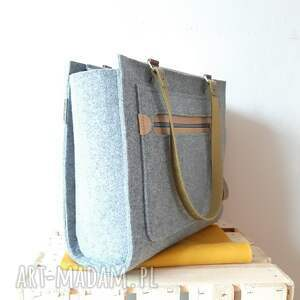 na ramię: Duża pojemna torebka CatooLabel #350 - minimalistyczna z filcu