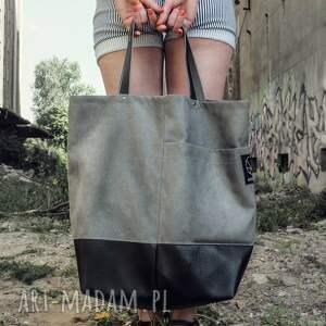 urokliwe na ramię jasno szara duża torba shopper