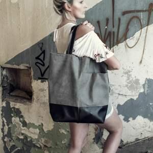 - pakowna torebka na zamek