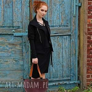 na ramię: Elegancka skórzana asymetryczna torebka - na torba