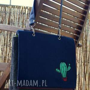 ręczne wykonanie na ramię torba filcowa z haftem - kaktusy