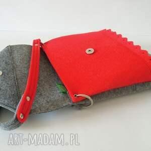 czerwone na ramię filcowa torebka z falbanką