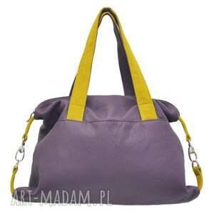 34fc758e6a2f7 efektowne na ramię modne torebki 2019 09 -0007 fioletowa torba sportowa /