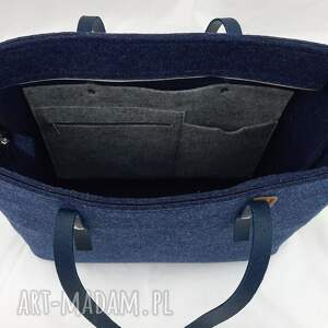 na ramię filcowa granatowa pojemna torebka