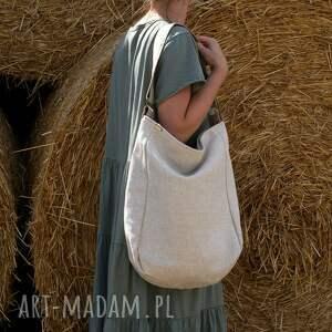 na ramię len zgrabna i bardzo pojemna torba (swobodnie