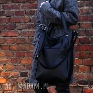 na ramię torba iks pocket czerń vegan