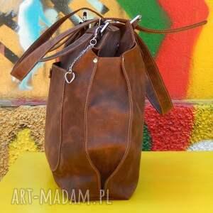 na ramię unikatowa koniakowa torebka ze skóry
