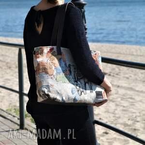beżowe na ramię torba lekka i poręczna z wzorem