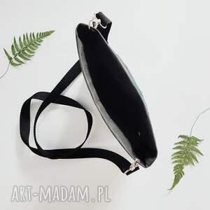 czarne na ramię palma listonoszka z papieru