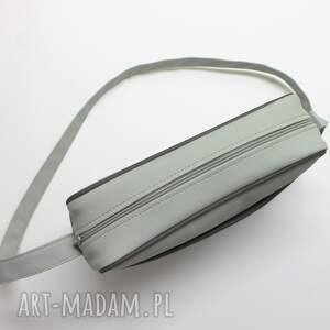 pomysł jaki prezent pod choinkę nowoczesna torebka wykonana z wysokiej jakości skóry