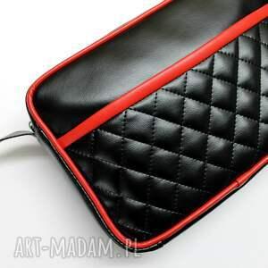 na ramię: Mała torba miejska - czarna i wstawki czerwone - nowoczesna