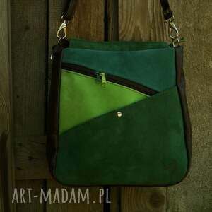zieleni na ramię przykuwająca uwagę torebka, wygodna i pojemna