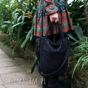 awangardowe na ramię torba miniks vegan czerń faktura
