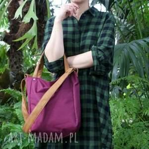 torba na ramię fioletowe zgrabna i bardzo pojemna (swobodnie