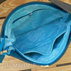 na ramię torba pikowana z haftem