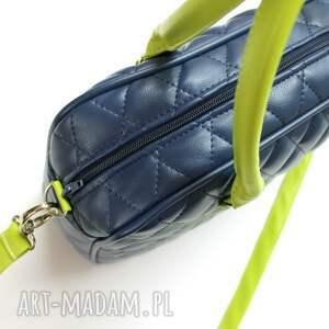 dd7ebaba8aee2 niebieskie na ramię pikowana pikowany kuferek weekend - granat i