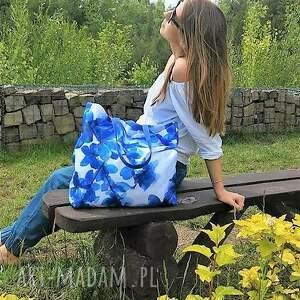 na ramię impregnowana plażowa duża torba w niebieskie