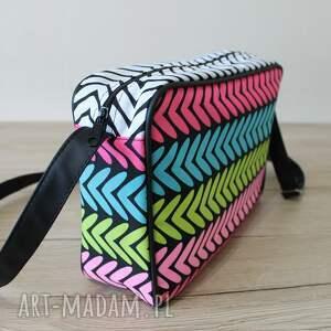 pomysł na upominek święta elegancka single bag - kolorowe zygzaki