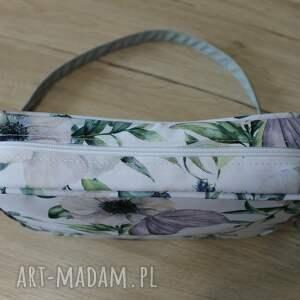 pomysł na upominki na święta motyl single bag - na kwiatach