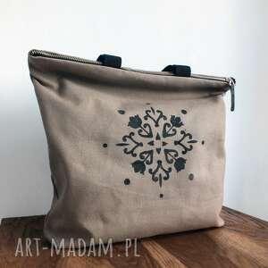 beżowe na ramię torba wodoodporna na zamek z autorskim wzorem